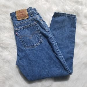 Levi's 550 relaxed fit, tapered leg size 12